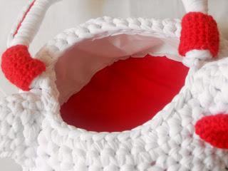 Borse: Hello Kitti in fettuccia di lycra. Cestinetto Hello Kitty in fettuccia di lycra, foderato, ideale come portaoggetti nel bagno o nella cameretta delle bambine