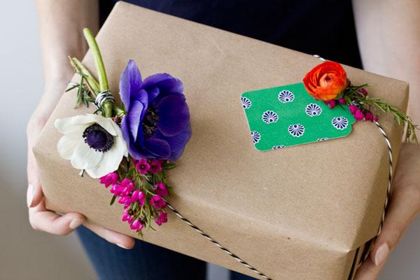 decorare con i fiori freschi-fiori-fatti-a-mano