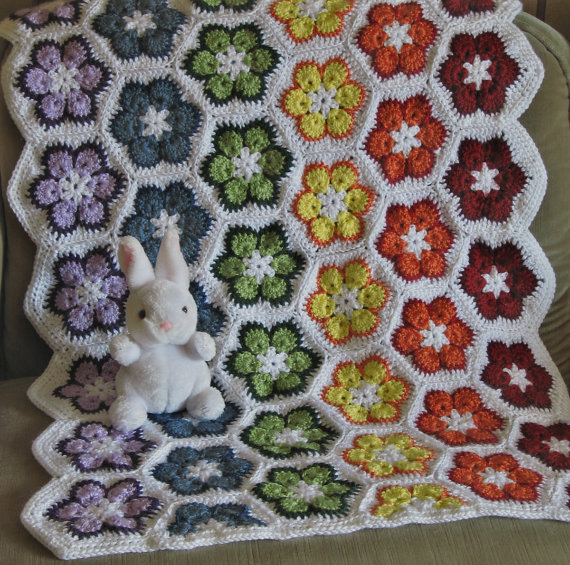 Schemi gratis di copertine per neonato all'uncinetto - 5 african flower